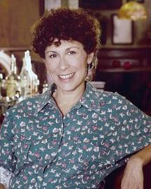 Rhea Perlman 1